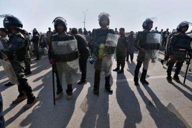 پاکستان میں دہشت گردانہ حملہ، بس سے اتار کر 14 لوگوں کو ماری گولی