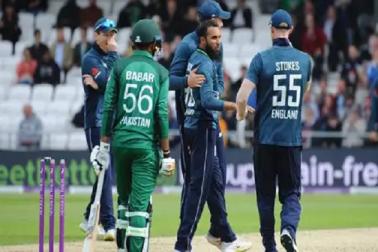 عالمی کپ سےقبل انگلینڈ نےاپنایا 'دھونی اسٹائل'، سب سے پہلے پاکستان بنا شکار