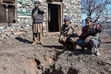 نہیں سدھررہا پاکستان، کشمیرکے نوجوانوں میں تقسیم کررہا ہے فرضی ڈگری