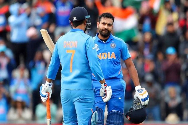 آئی سی سی کرکٹ ورلڈ کپ 2019 میں ہندوستان کے شاندار آغاز سے کئی ٹیموں کو تکلیف ہو رہی ہے۔ پاکستان کے سابق تیز گیندباز شعیب اختر کا دعوی ہے کہ ہندوستان کی جیت کے بعد انگلینڈ میں جھوٹی افواہ اڑائی جا رہی ہے۔ (فوٹو کریڈٹ: اے پی)۔