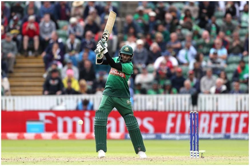 ہم بات کررہے ہیں بنگلہ دیش کے آل راونڈر شکیب الحسن کی ۔ شکیب الحسن نے اب تک چار میچوں کی چار اننگز میں 384 رن بنائے ہیں اور وہ اس میگا ٹورنامنٹ میں سب سے زیادہ رن بنانے والے کھلاڑیوں کی فہرست میں فی الحال نمبر ون پر ہیں ۔