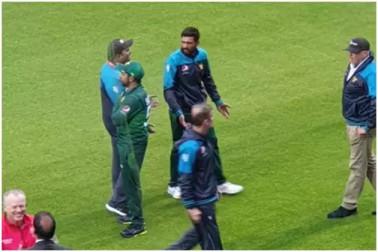 ہندوستان سے کراری شکست کے بعد پاکستانی ٹیم میں لڑائی ! میدان پر ہی ساتھی کھلاڑیوں سے بھڑ گئے محمد عامر