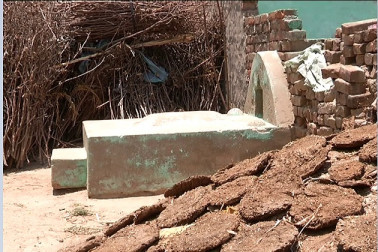 ویڈیو: گھروں میں قبرستان یا قبرستان میں گھر! پڑھیں ہوش اڑا دینے والی یہ کہانی۔۔۔۔