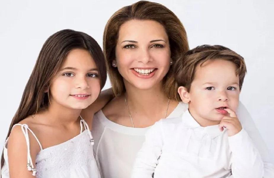 رپورٹس کے مطابق اردن کے بادشاہ عبد اللہ کی سوتیلی بہن حیا اب اپنے شوہر سے طلاق لینا چاہتی ہیں ۔ جانکاری کے مطابق دبئی سے نکل کر حیا جرمنی میں بسنا چاہتی ہیں ۔ انہوں نے جرمنی کی حکومت سے اپنے بچوں کے ساتھ رہنے کیلئے سیاسی پناہ بھی مانگی ہے ۔