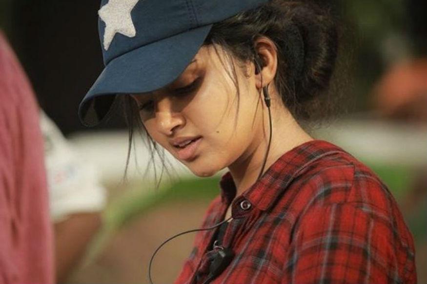 انوپما نے سال 2015 میں فلمی دنیا میں قدم رکھا تھا ۔ ان کی پہلی فلم پریمن تھی اور اس وقت ان کی عمر صرف 19 کی تھی ۔ اسی طرح بمراہ نے بھی سال 2013 میں آئی پی ایل میں ڈبییو کیا تھا اور پورے ہندوستان میں ان کی چرچا شروع ہوگئی تھی ، کیونکہ انہوں نے پہلے ہی میچ میں آر سی بی کے تین وکٹ جھٹکے تھے ۔ اس وقت بمراہ کی بھی عمر صرف 19 سال تھی ۔