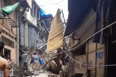 بڑا حادثہ: ممبئی میں 4 منزلہ عمارت گری، 50 سے زیادہ لوگوں کے دبنے کا اندیشہ، ریسکیو آپریشن جاری