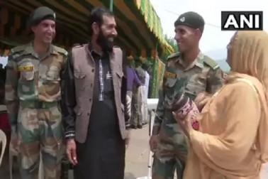 دہشت گردوں کے حملے میں شہید ہوئے تھے اورنگ زیب، بدلہ لینے کے لئے دو بھائی فوج میں شامل