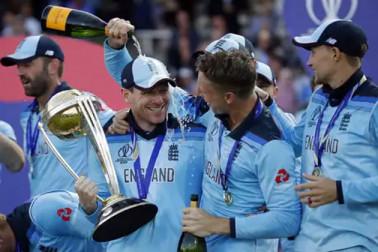 کرکٹ ورلڈ کپ جیتتے ہی انگلینڈ کے اس تیز گیند باز نے بین الاقوامی کرکٹ کو کہا الوداع ، بتائی یہ بڑی وجہ