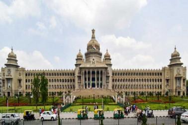 کرناٹک میں ناٹک: آج وزیراعلیٰ ایچ ڈی کمارا سوامی کرینگے فلور ٹیسٹ کا سامنا