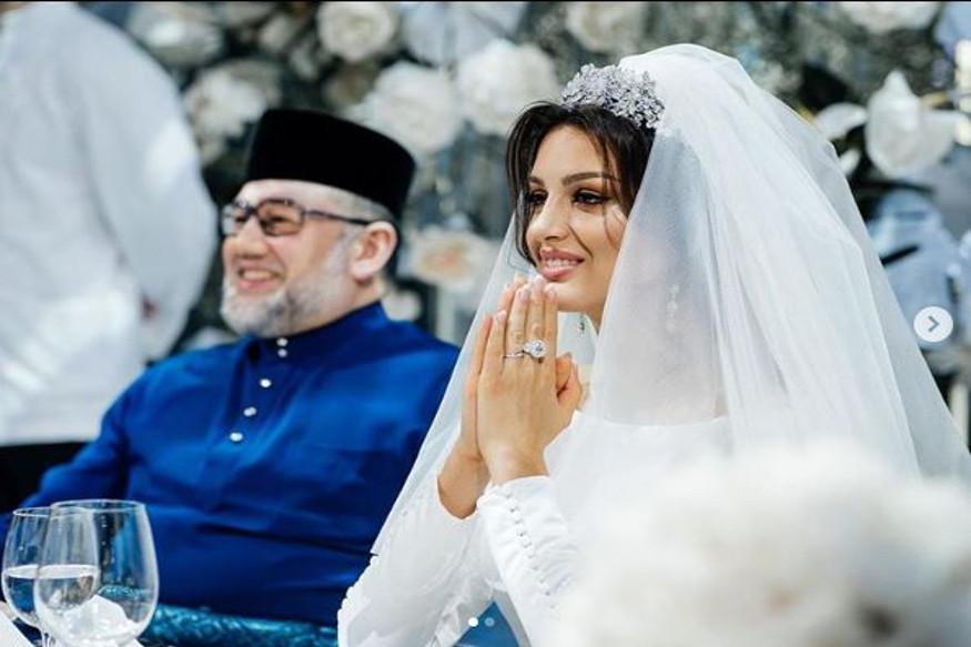وہیں روسی میڈیا نے اوکسانا کی دوست کے حوالے سے لکھا ہے کہ سلطان کی جانب سے ہی طلاق کا قدم اٹھایا گیا ہے جبکہ ان کی بیوی اس کے خلاف ہے۔