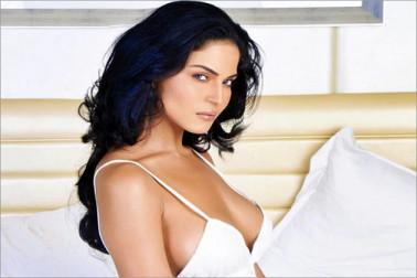 کلبھوشن جادھو پر پاکستانی اداکارہ وینا ملک نے کیا متنازعہ ٹویٹ، بری طرح ہوئیں ٹرول
