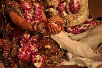 شادی سے پہلے لڑکیاں کیوں اٹھا رہی ہیں یہ قدم، جان کر آپ بھی ہو جائیں گے حیران