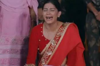 شادی کے جوڑے میں تھیں سپنا چودھری جب آئی بھائی کی شہادت کی خبر! دیکھیں یہ جذباتی ویڈیو
