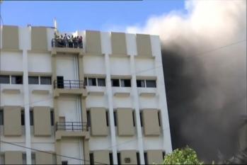 ممبئی: ایم ٹی این ایل کی عمارت میں خطرناک آتشزدگی، 100 لوگ پھنسے