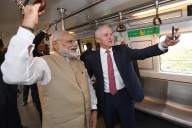 انہوں نے آسٹریلیائی وزیر اعظم کے ساتھ میٹرو کے سفر اور مندر کی تصویریں بھی ٹوئٹر پر شیئر کیں۔