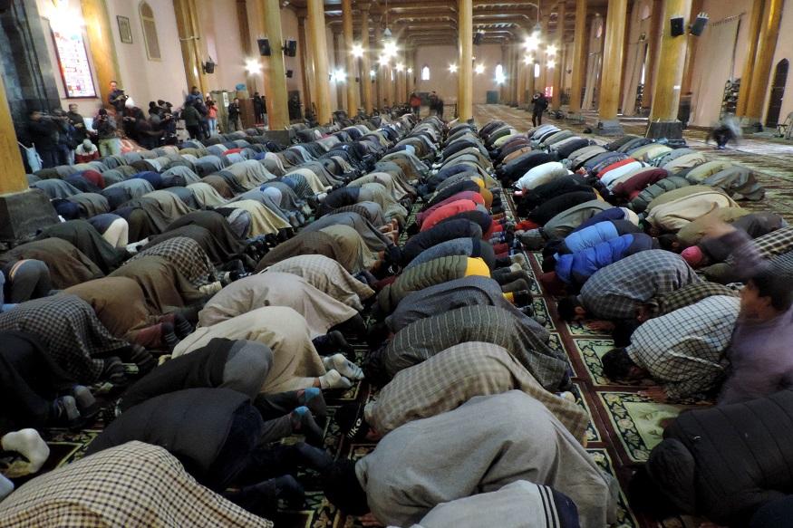 جامع مسجد میں مسلسل 19 ہفتے نماز جمعہ معطل رہنے کے بعد جمعہ کے روز محراب و منبر اذان و خطبہ جمعہ اور درود و اذکار سے گرج اٹھے