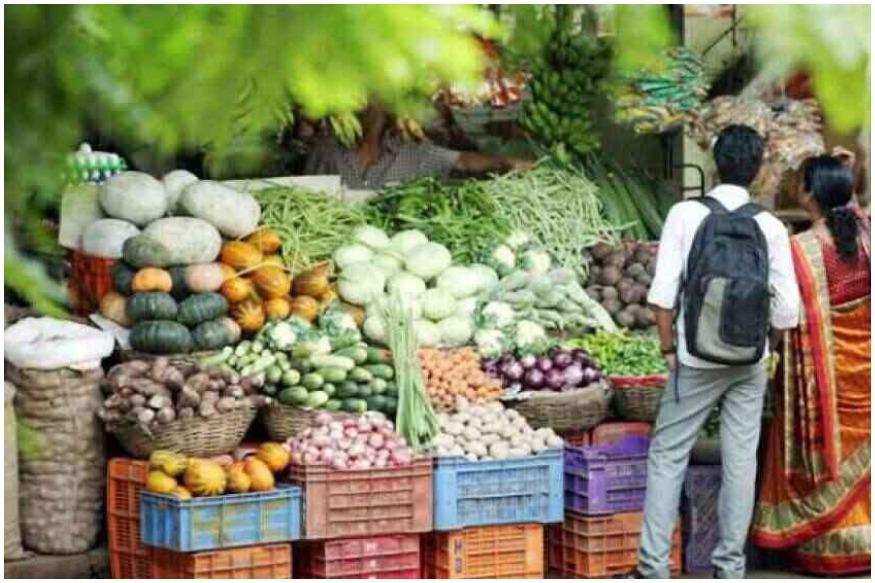 سبزی منڈی میں لوگوں کی بھیڑ کے چلتے کئی مرتبہ جام بھی لگ گیا۔ لوگ ای۔رکشہ، اسکوٹڑ میں سبزیاں بھر کر لے گئے۔